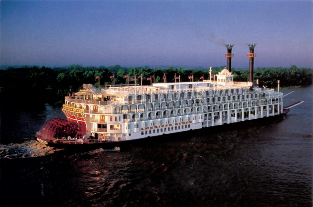 River cruise American Queen Steamboat