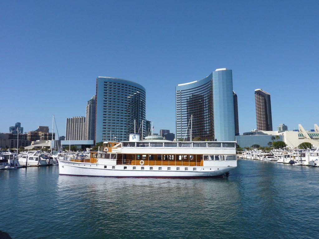 San Diego Boat Tour